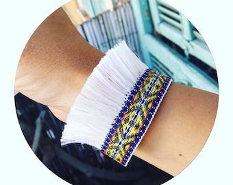 ★☆ fringe Cuff Bracelet, white Bohemian inspiration - blue and yellow