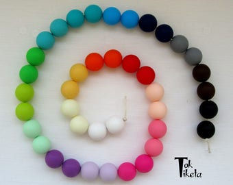 Accounts of food grade silicone. Silicone Beads. Breastfeeding necklaces. Teething necklace. 12 mm. Assorted colors