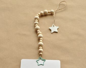 Card hanger star, beaded garland, star clip, postcard holder, small star tag, wooden beads, hanging cards, walldecor wood, nursery walldecor