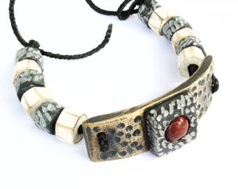 Bracelet made of wood and stone