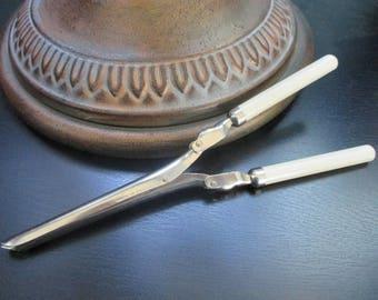 Vintage Curling Iron, Travel Iron, Folding, Manual Hot Iron, England, Bakelite Handles, Beauty Tool, Hair Accessories, Mustache Curler