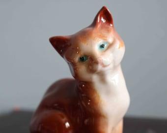 SALE Beswick Cat Kitten Figurine  In Excellent Condition
