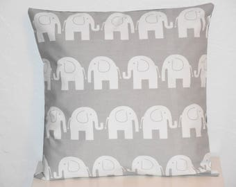 Pillow cover - 40 x 40 cm - Double sided - Elephants pattern fabric - blue and white