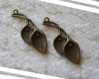 Calla Charm, Calla Pendant, Flower Charm Pendant, Antique Bronze Calla Charm, Bronze Pendant Charm, Jewelry Findings