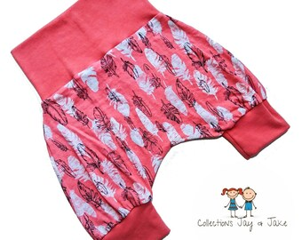 Grow-with-me, harem shorts, 6-36 months, feathers print, maxaloones