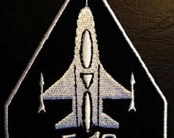 Aufnäher / Bügelbild - F-16 Army - schwarz - 7,0 x 9,0 cm - by catch-the-patch® Patch Aufbügler Applikationen zum aufbügeln Applikation Patches Flicken