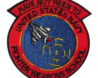 Aufnäher / Bügelbild - United States Navy Fighter Weapons School – rot – 7,6x7cm - by catch-the-patch® Patch Aufbügler Applikationen zum aufbügeln Applikation Patches Flicken