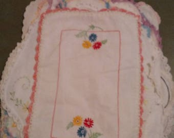 """Free Shipping!!! Vintage Estate Collection Of Small Hand Embroidered Tatted Lace Crocheted Edge Linens Doilies 11"""" to 15"""" In Length LOT 2"""