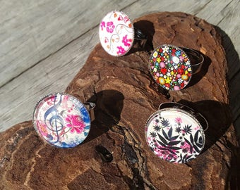 Flower glass cabochon ring