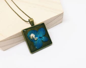 Hydrangea Flower Necklace - Square