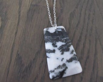 silver necklace with pendant Agate