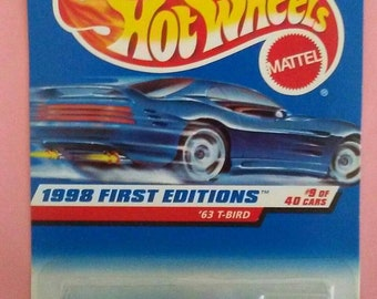 Hot Wheels Ford 1963 t-bird new on card