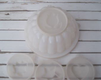 Vintage TUPPERWARE JELLO MOLD | White Plastic Jello Mold | Tupperware Jello Mold With 4 Designs | Tupperware Jello Bowl With Christmas Tree.