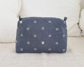 Linen blue-gray pouch, travel pouch, cosmetic pouch, makeup bag, makeup pouch, linen pouch