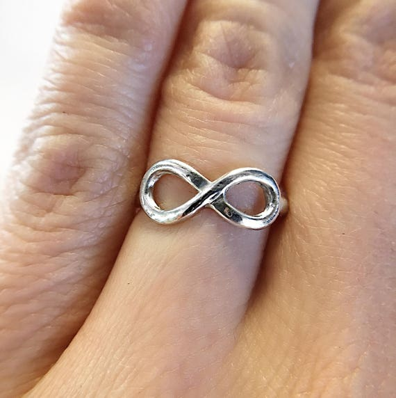 Silver Infinity Ring / Eternity Ring / Infinity Ring / Infinity Promise Ring / Eternity Loop Ring / Loop Ring / Stacker Ring / Womans Ring