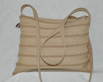 bag caramel entirely in French brand zipper