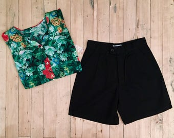 New: Pleated shorts