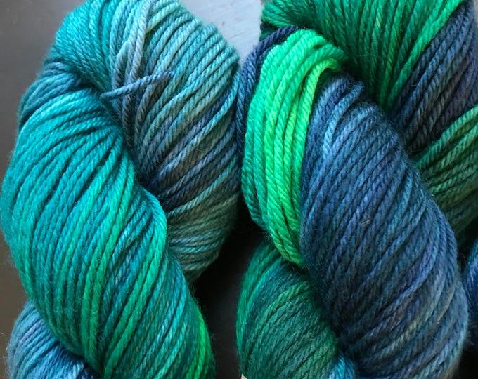 100g 100% Superwash Merino DK double knit yarn, hand dyed in Scotland, navy, green