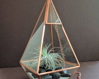 Hanging Copper Glass Prism Air Plant Terrarium with Large Black Stones & White Sand Kit