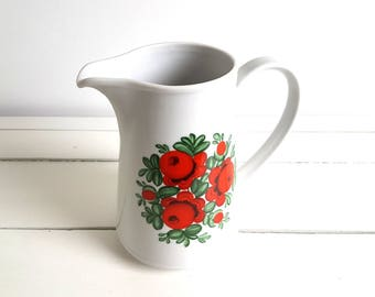 Vintage water pitcher / jug 'flowers'