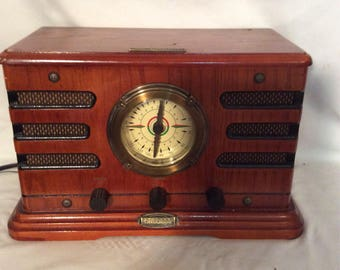 Limited Edtion Antique Crosley Metro AM/FM Radio Model CR19.C /with Cassette Player (Pristine )