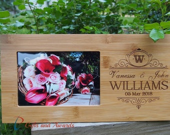 """FREE DELIVERY-Personalized Engraved Bamboo photo frame 4x6""""photo- Wedding gift - Anniversary gift - Valentines gift - Gift for the couple"""