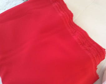 Very red felted crepe fabrics flowing and wide falling 144