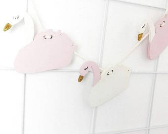 Swan pendulum pink-white with Golden beak