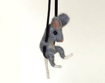Little Mouse felted necklace, Pet jewelry,Needle felted Mouse,For Animal lover,Wool jewelry,Gift for pet lover,Miniature pet,Felted necklace