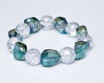 Clear Glass, Light Green 100% Glass Beaded Bracelet.