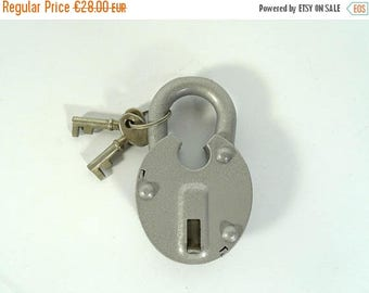 ON SALE Vintage Padlock / Vintage Lock / Antique Padlock / Cas Iron / Metal Padlog / Lock With Key / 50s / Mid Century / VIntage NOS Lock