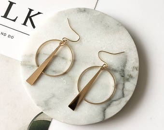 Gold pendent circle earrings