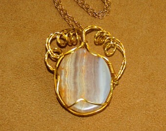 175 Simple wrapped round sowbelly agate