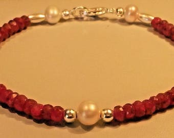 Natural ruby and fresh water pearl bracelet in 925 silver