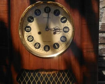 Big wall clock,Mechanical clock,Russian alarm clock,made in Russia in the 80s,A large wall clock,a clock that works,turns with a hand switch