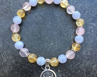 Bracelet composed of citrine stone, chalcedony and rose Quartz Bull and Taurus astrological Medal