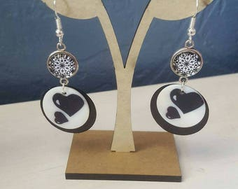 nature earrings in black and white