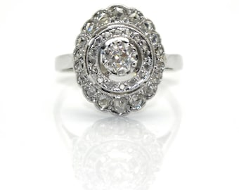 Circle Art Deco diamond ring