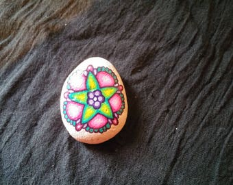 Pebble painted flower psychedelic Fuchsia and green