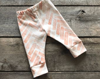 Pink herringbone baby leggings; girl leggings; baby pants; baby shower gift set; photo prop; take home outfit