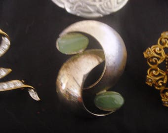 NEW STOCK BROOCH vintage assorted brooches. 1940/50s vintage clasp