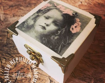 Little Girl Wooden Box with Pink Flower and little gold tone clasp. Gift Box Christmas Gift for her - Jewellery Case