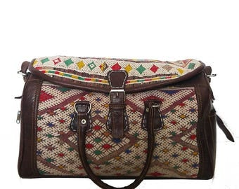 Moroccan Weekender bag / Kilim bag / Moroccan bag / Moroccan travel bag / Ethnic bag / Boho bag / Carpet bag