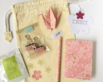 Pink washi paper pouch with small flowers to say thank you