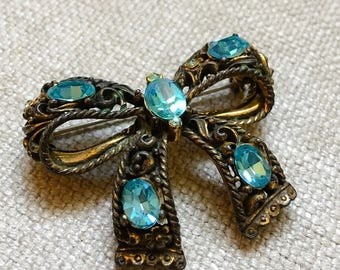 Vintage Bow Jewelry Brooch Pin