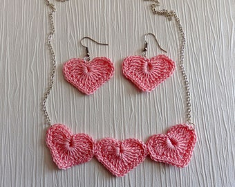 Tender and Romantic Necklace and Earrings Heart, pink cotton yarn