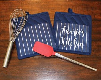 Personalized Pot Holders, Custom Oven Mitts, Housewarming Gift, Wedding Gift, Gift for Mom, Gift for Baker, Gift for Chef, Kitchen Supplies
