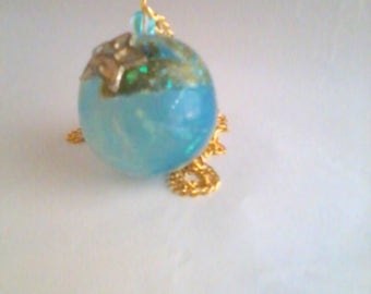 "Pendant ""my little fairy spheres"" My fluorescent blue planet"