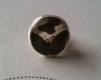 Butterfly cabochon ring