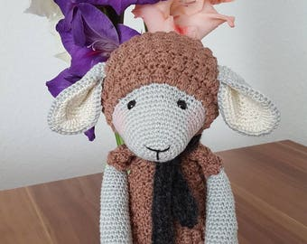 Cute crocheted amigurumi sheep süß gehäkelt Schaf